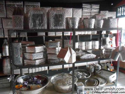 almb2-17-balinese-boxes-factory