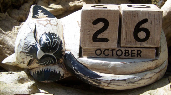 cal3-10-wood-calendars-bali-gifts