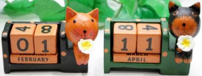 cal3-8-wooden-calendars-from-bali