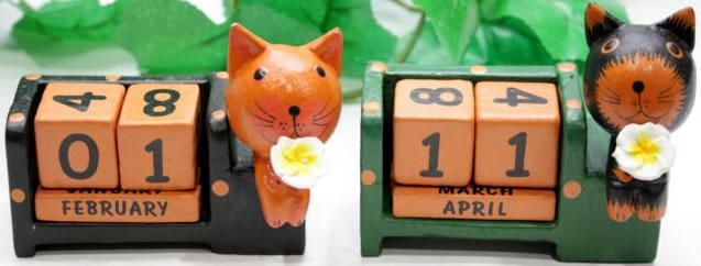 cal3-8-wooden-calendars-from-bali